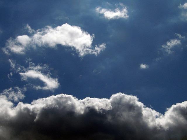 clouds-21041_640